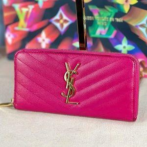 🎉HP🎉✨AUTHENTIC✨ SAINT LAURENT Zippy Wallet YSL